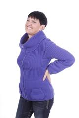 Ältere Frau mit Rückenschmerzen isoliert