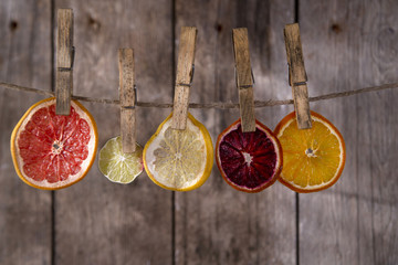 The colors of the dried citrus fruit