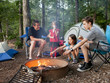 father camping with kids - 80080798