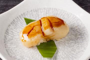 ホタテの貝柱 軍艦巻 Sushi of the scallop japanese food