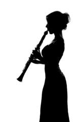 Silhouette nera di clarinettista donna isolata che suona