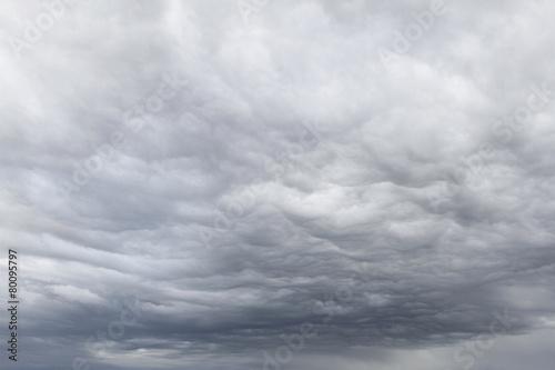 Grey dramatic sky - 80095797