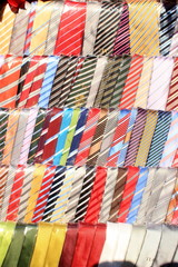 vestiti tessuto cravatta artigianato locale
