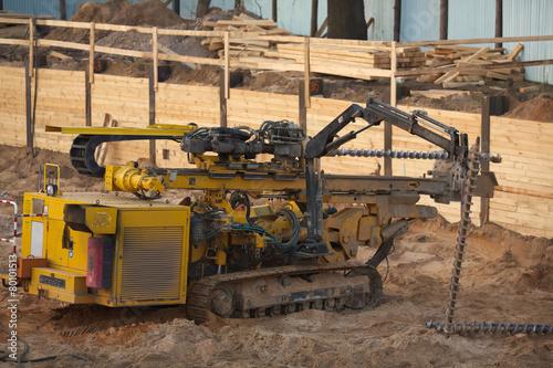 Roboty ziemne inżynieryjne wiertnica - 80101513