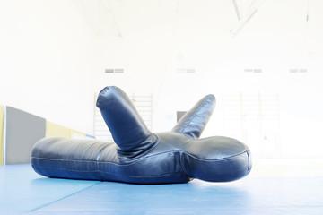 Punching bag - mannequin one-legged wrestling