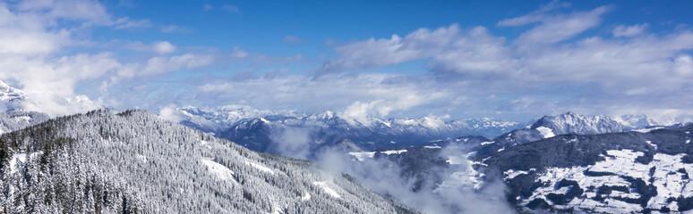 Berglandschaft im Skigebiet Tirol