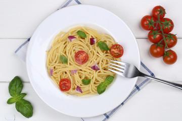 Spaghetti mit Tomaten und Basilikum Nudeln Pasta Gericht von obe