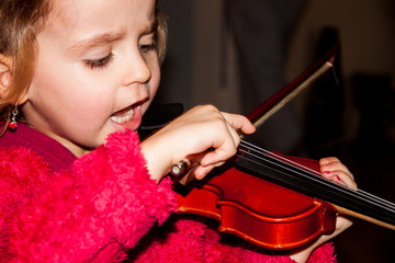 kind mit Geige
