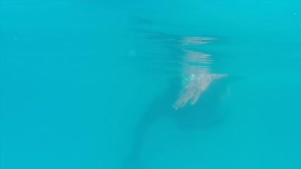 Underwater freestyle swim