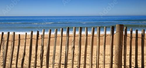 Papiers peints Plage Fence on the beach-Hossegor