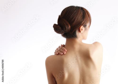 日本人女性の背中 - 80167181