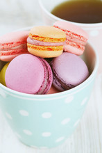 Macarons und Tee