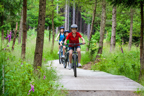 Healthy lifestyle - family biking - 80190740