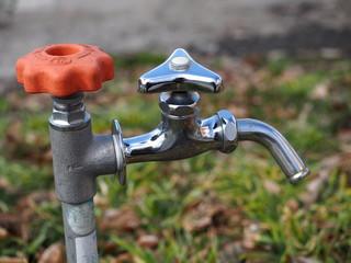 蛇口と不凍栓