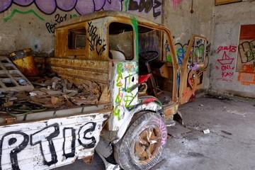 Camion post apocalittico