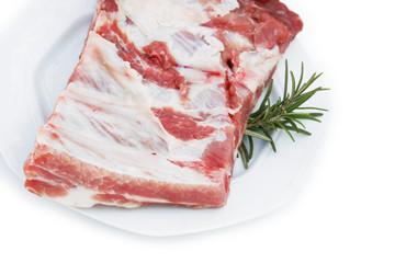 costine di maiale con rosmarino_sfondo bianco