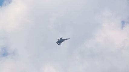 Su-35 (russian pilot) flies on air show