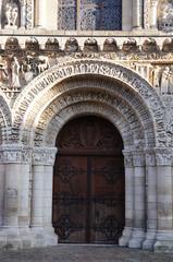 porte de l'église Notre-Dame-la-Grande de Poitiers