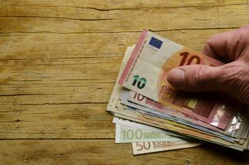 Euro Ευρώ Евро Eur يورو