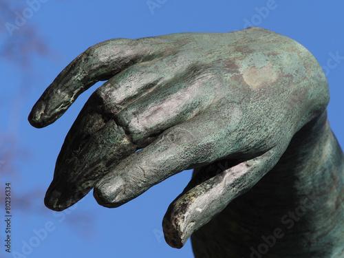 Poster ruhende Hand - Detail Bronzeskulptur