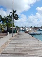 Hafenpromenade auf Aruba in der Karibik