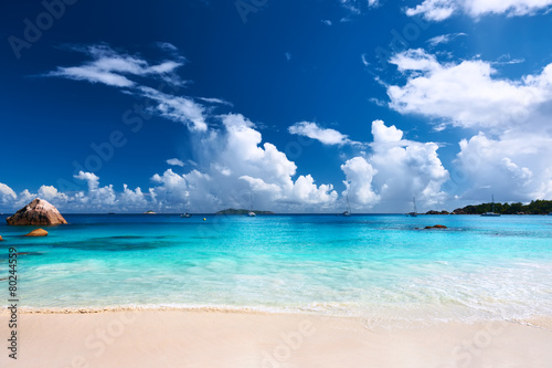 Tuinposter Water Beautiful beach at Seychelles