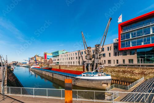 Neuss - Hafenbecken 01 - 80257743