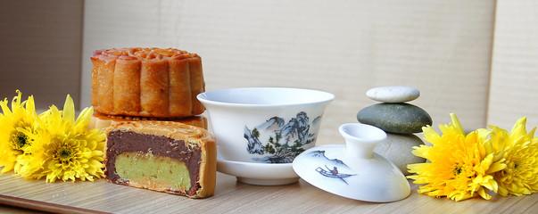 Mooncake and Chinese Tea