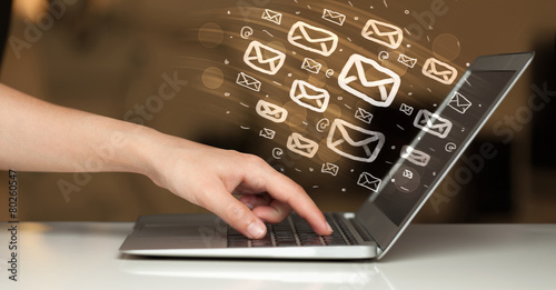 Leinwanddruck Bild Concept of sending e-mails