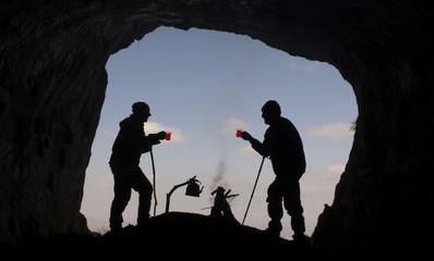 mağarada çay keyfi