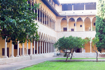 cloister of Pedralbes Monastery