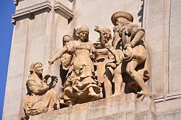 Madrid, monumento a Cervantes, grupo de La Gitanilla