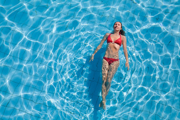 Relaxation in pool