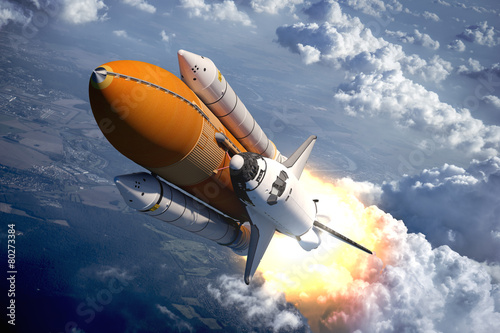 Poster Ruimtelijk Space Shuttle Flying Over The Clouds