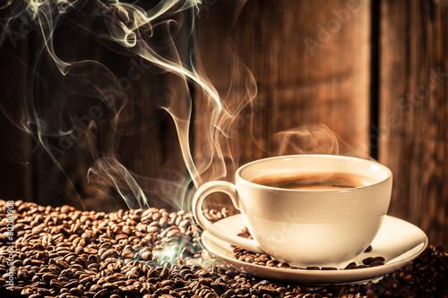 Papiers peints Café en grains Taste cup of coffee with roasted grains