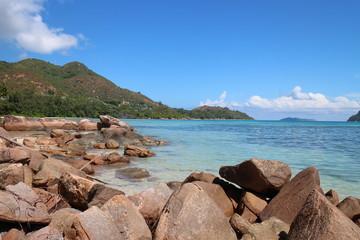 steiniger Strand Seychellen