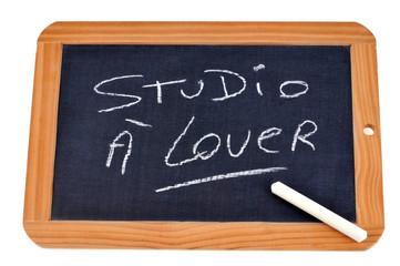 Ardoise avec studio à louer