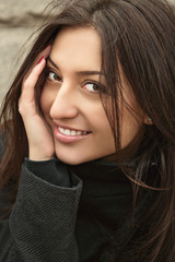Естественная красота. Портрет красивой молодой женщины.