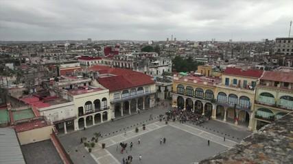 Vista general de la Plaza Vieja en La Habana Cuba