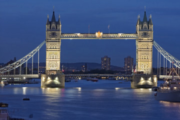Tower  Bridge London beleuchtet