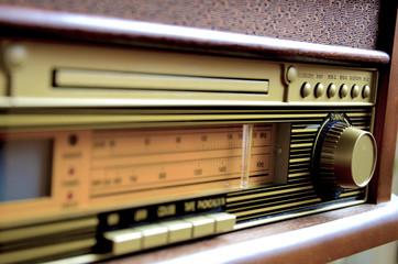 Retro Design Radio receiver device