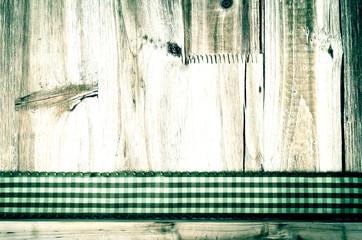 Holztafel mit Band, altmodisch