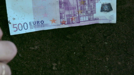 A 500 Euro bill from the soil