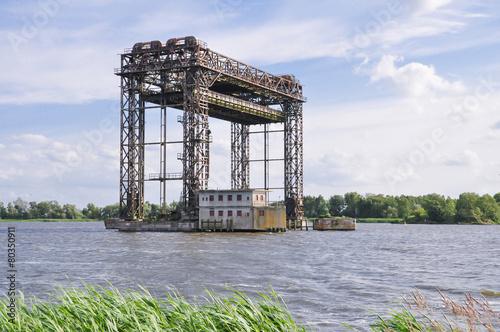 Leinwanddruck Bild Hubbrücke Karnin