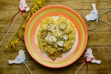 Tagliatelle ricotta e zucchine Cucina italiana Kuchnia włoska