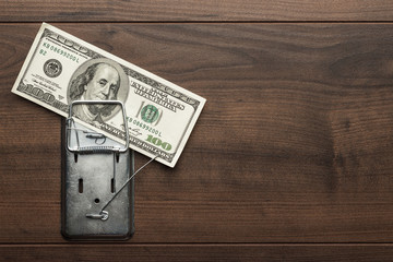 money mousetrap concept