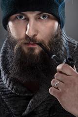 Bearded mezczyna dressed like a sailor.