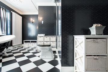 Elegant, black and white bathroom