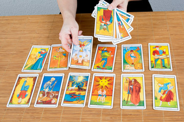 Draw tarot  Clairvoyance for fortunetelling, divination