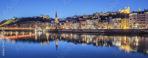 Papiers peints Europe Centrale Panoramic view of Lyon with Saone river by night